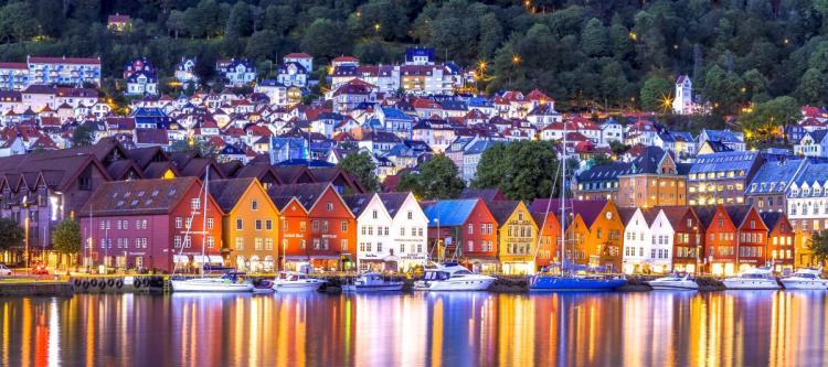 case eficiente energetic geamuri norvegia