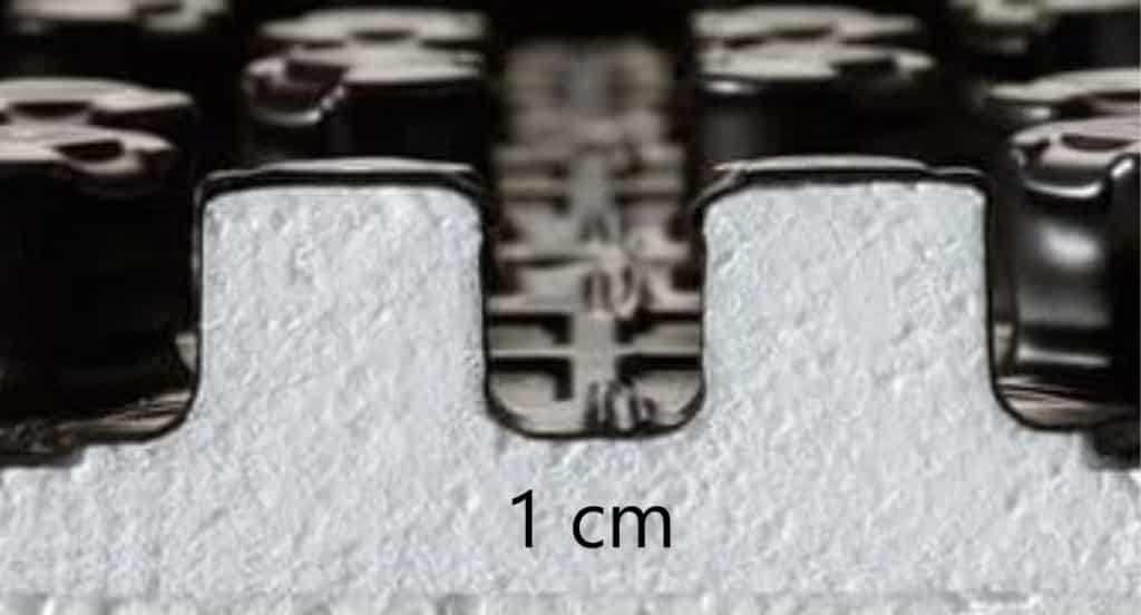 Placa cu nuturi 1 cm - renovari, podea scunda